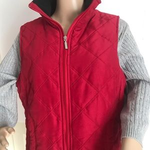 RED QUILTED STITCHED VEST W/BLACK COLLAR